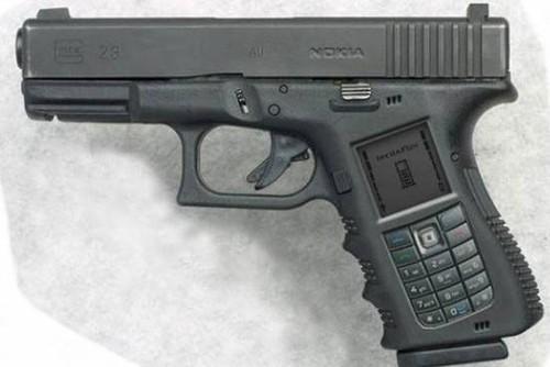 Talkin' on the gunphone