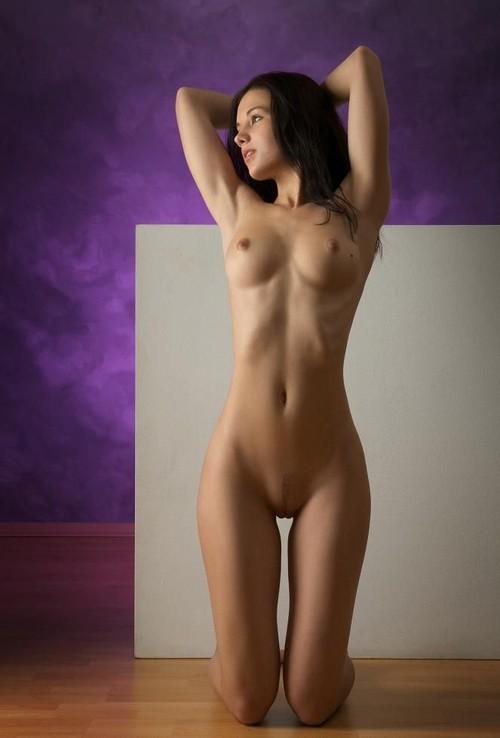 Голые девки красотки фото