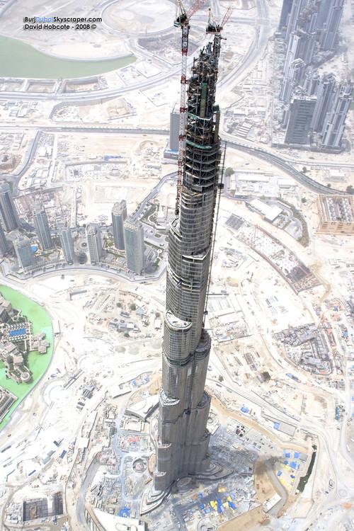The Burj Dubai tower is getting fucking huge